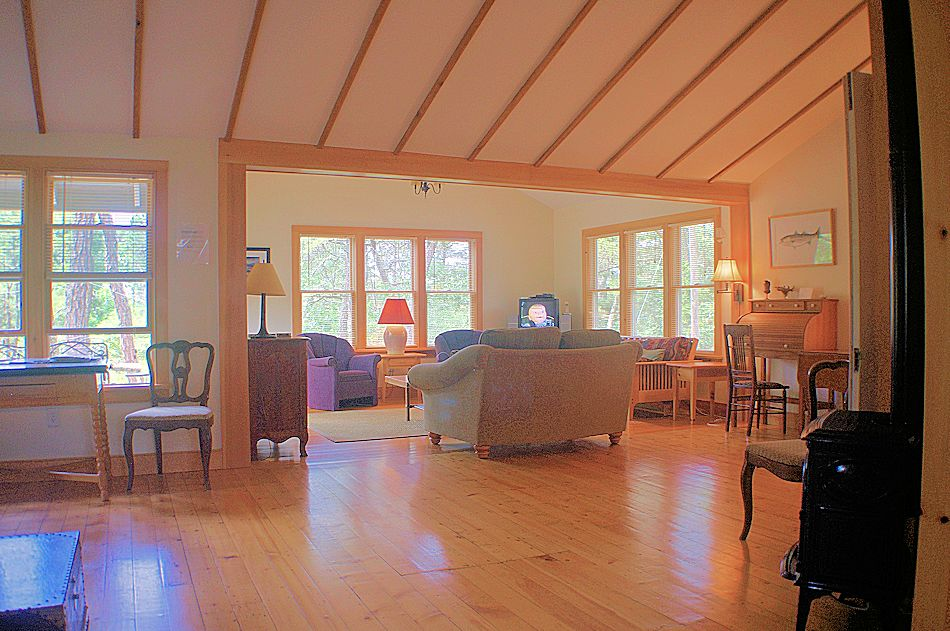 Pet Friendly Cape Cod Cottage In A Wooded Area Of Wellfleet